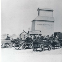 Photograph of Farmers Grain & Supply Co.