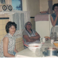 04_21_Fran_s_kitchen.jpg